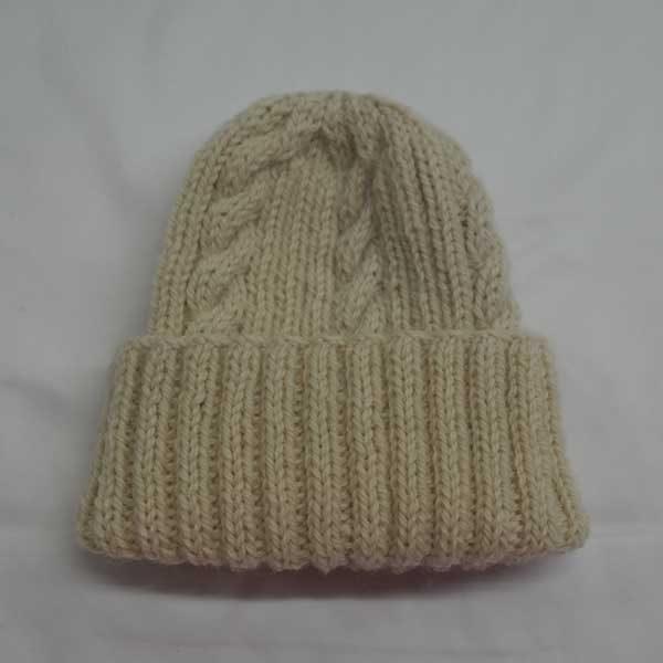 22F Rib & Cable Hat 307B Ecru