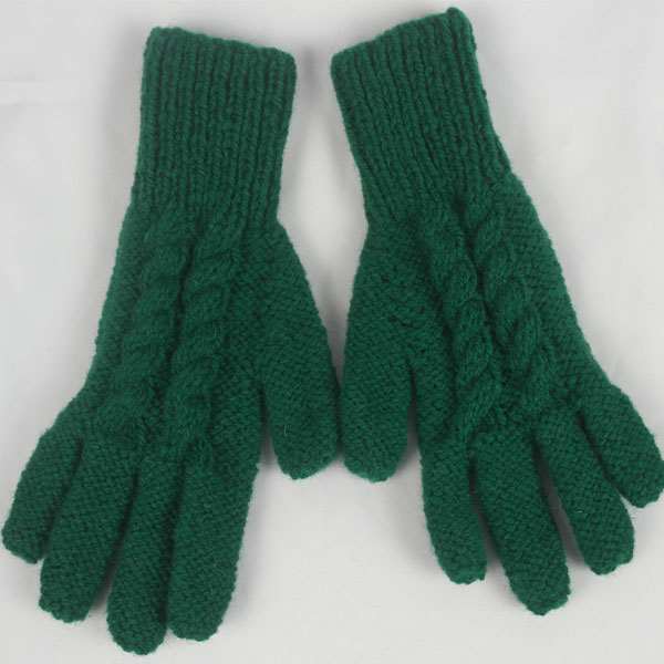 12Q 5 Finger Glove with Cable Pattern 496a Green 10
