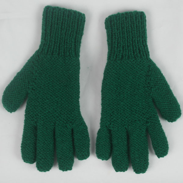 12Q 5 Finger Glove with Cable Pattern 496b Green 10