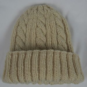 22F Rib & Cable Hat 498a Ecru