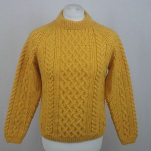 1H Country Meetings Crew Neck Sweater 607a Sunflower Front